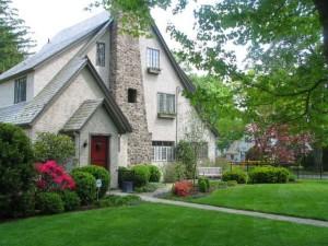 old-house-tudor-style