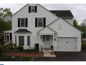 EveryHome's current listing at 212 Sandown Ct in Franconia