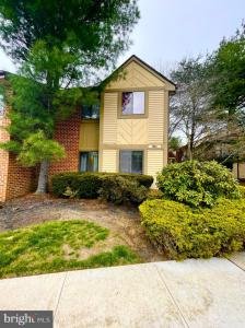 Photo of 905 Cypress Point Circle, Mount Laurel NJ
