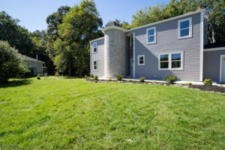 Photo of 22 Whitaker Place, West Caldwell NJ