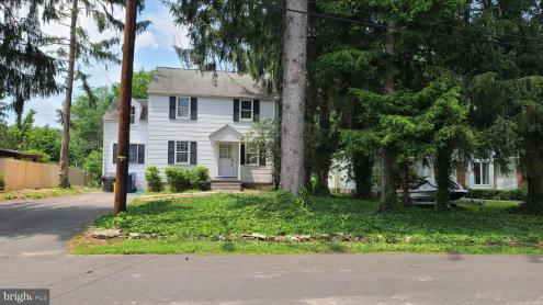 Photo of 9 Willow Road, Lawrence Township NJ