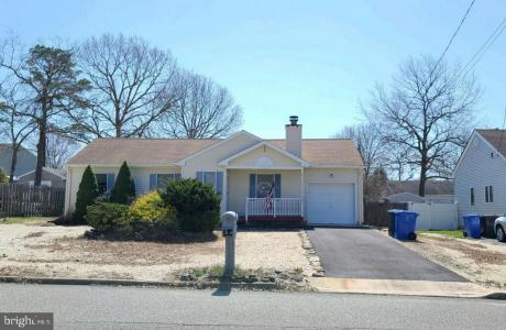 Photo of 321 Neptune Drive, Manahawkin NJ