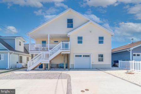 Photo of 106 S Forecastle Drive, Tuckerton NJ