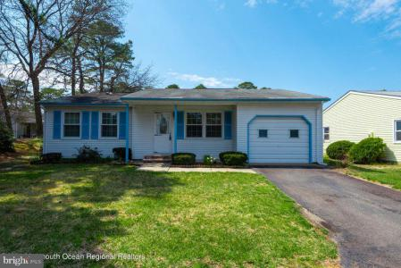 Photo of 21 Chelsea Drive, Manchester Township NJ
