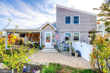 Photo of 2 Buckingham Avenue, Harvey Cedars NJ