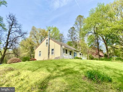 Photo of 1271 Old Bernville Road, Leesport PA