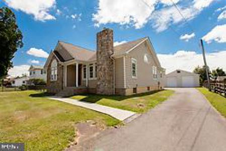 Photo of 1041 Frosty Hollow Road, Langhorne PA