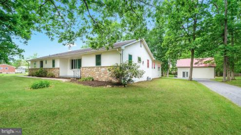 Photo of 5717 Stump Road, Pipersville PA