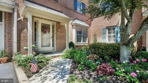 Photo of 2 Aster Court, Doylestown PA