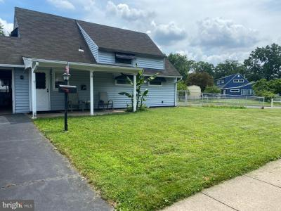 Photo of 184 North Park Drive, Levittown PA