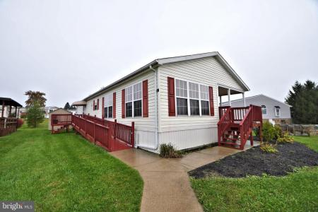 Photo of 122 Parkside Court, North Wales PA