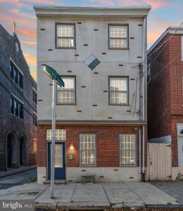 Photo of 818 N Orianna Street, Philadelphia PA
